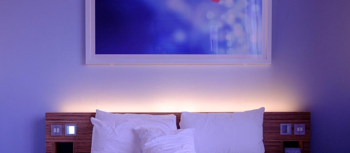 bedroom-1285156_1920 (1)