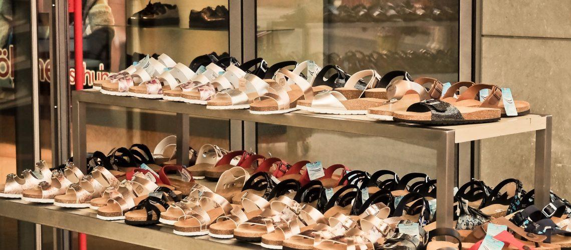 shoes-3592530_1920